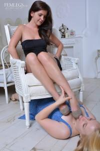 Janine & Josie-000237-12