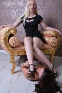 Janine & Josie-000269-02