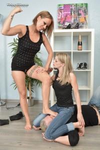 Sue S. and Anny-001768-16