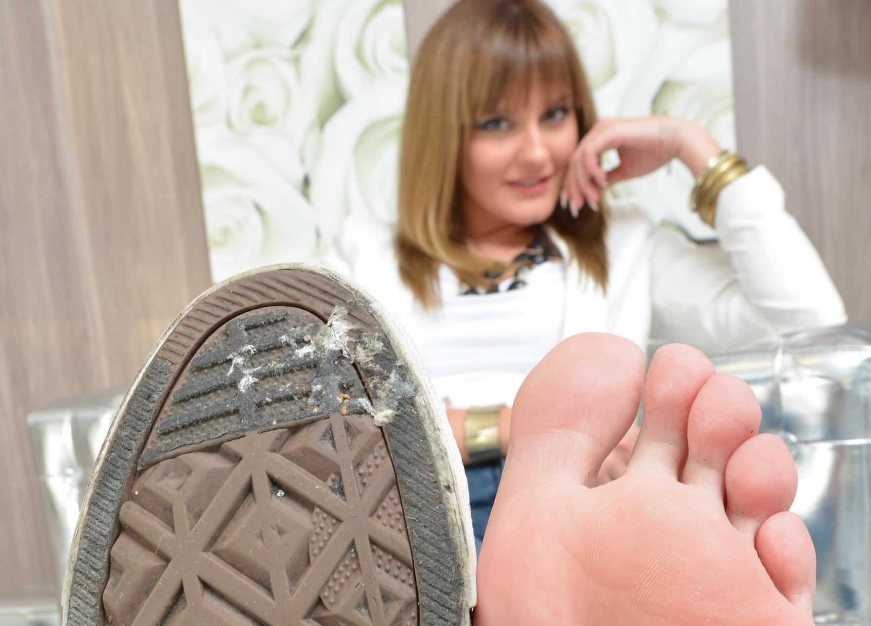 Chucks und Füße
