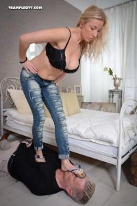 Anna B.-001538-15