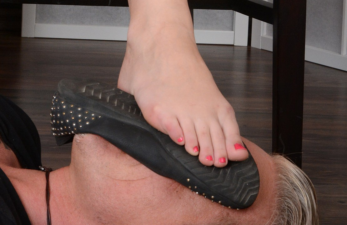 Heisse Ballerinas und Füße