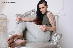 Sandra M.-001105-08