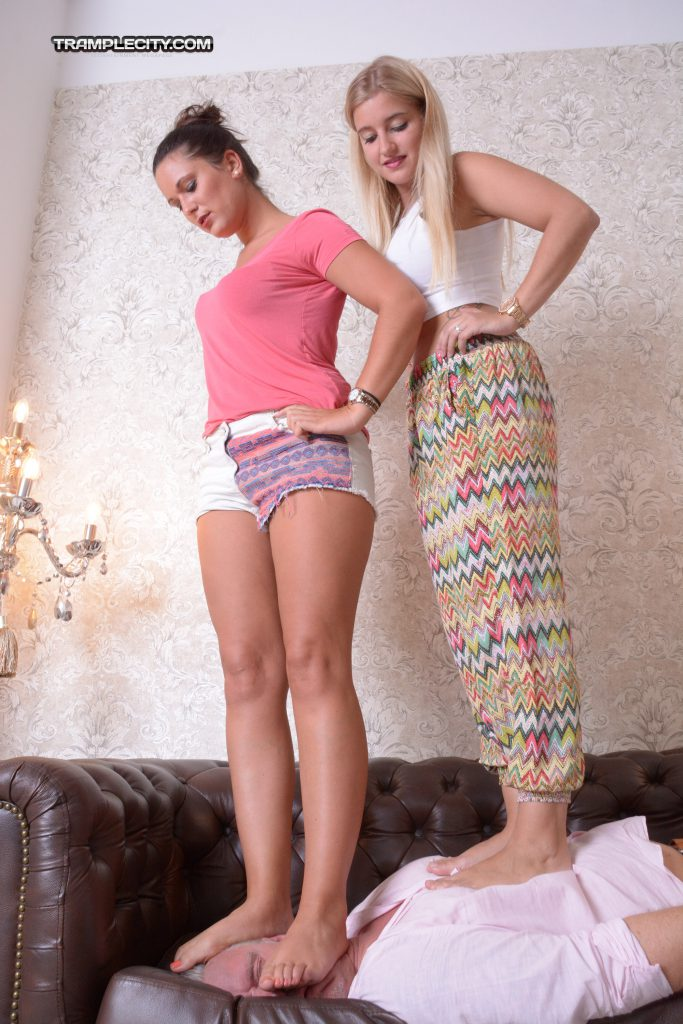 Vanessa & Marinka-000337-09