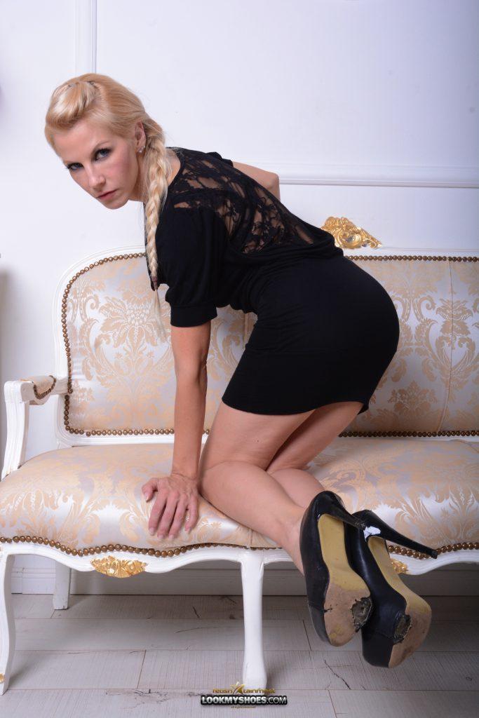 Samantha-000412-13
