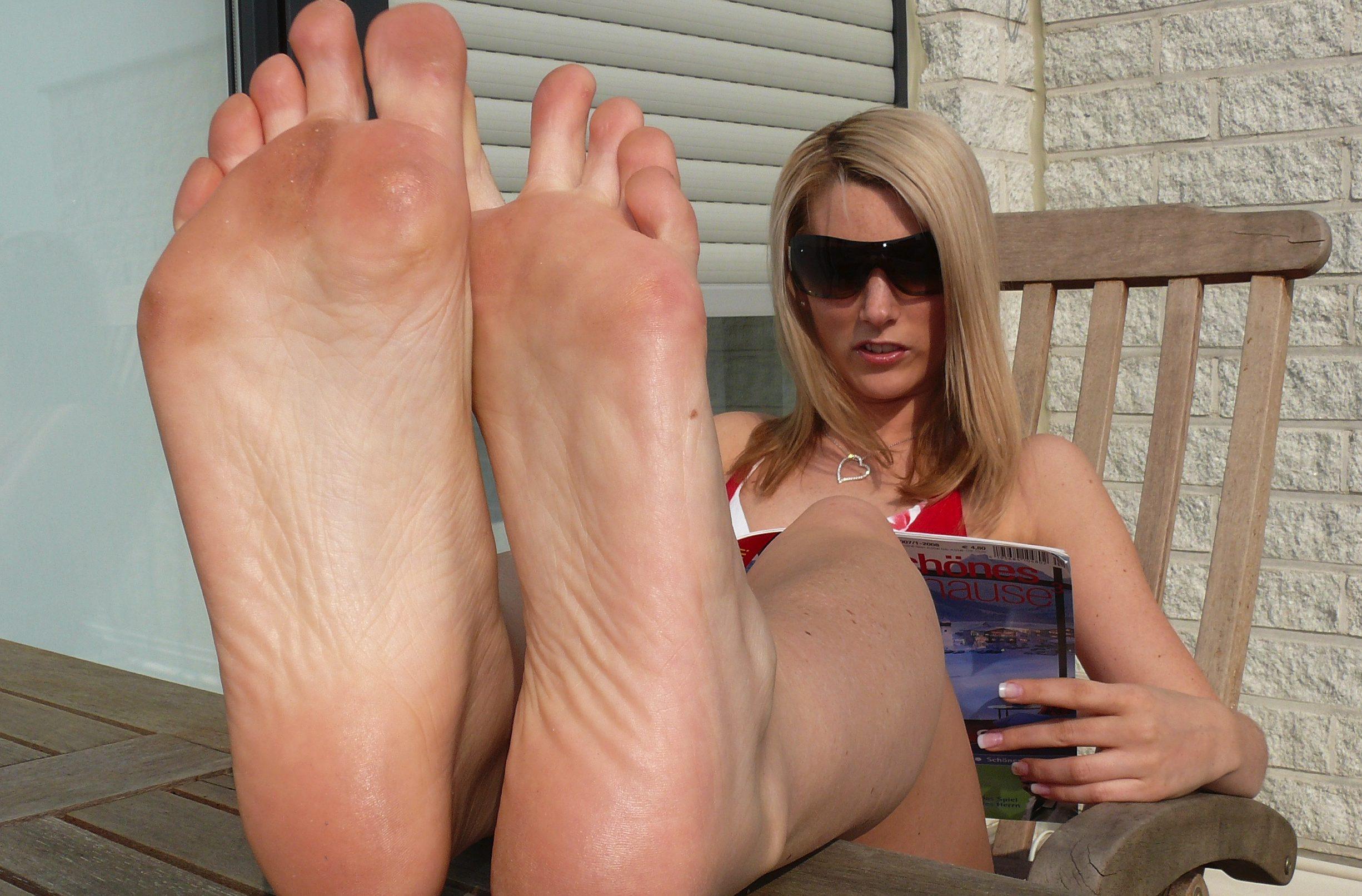 Jessy schwitzige Füße